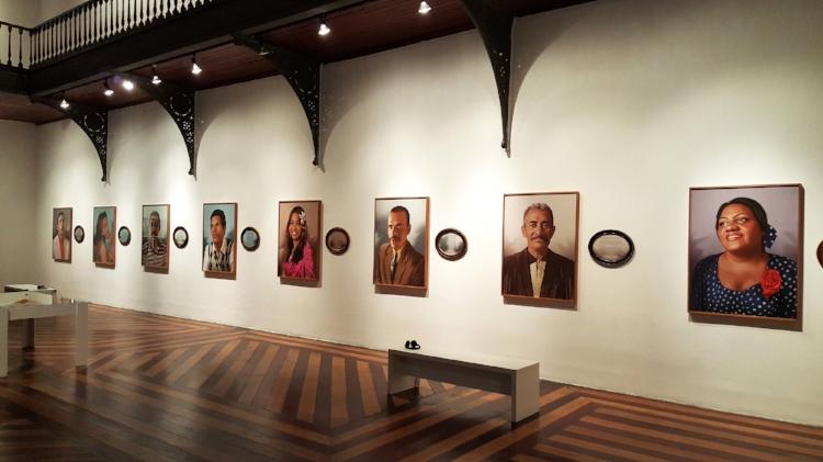 O trabalho de Virgínia de Medeiros com foto-pinturas digitais retrata moradores de rua que contam suas histórias em relatos emocionantes (Fotografia: Renato Medeiros Cordeiro)