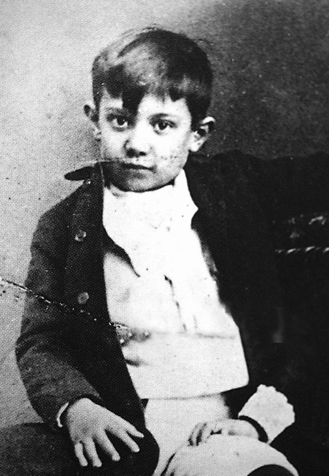 Picasso em 1891, aos 10 anos de idade. Ao lado, já consagrado como um dos maiores artistas do modernismo