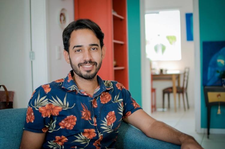 O jovem estudante de Design, Rafael Almeida, assina a curadoria da mostra. Seu segundo trabalho curatorial na Pinacoteca