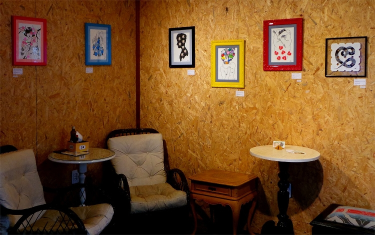A mostra fica em cartaz até 4 de abril no Mahalila Café & Livros, em Natal-RN