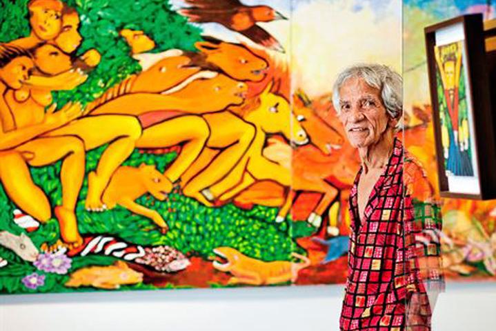 O artista e à obra que dá nome à exposição:  'Da gênese ao apocalipse'. Fotografia: Leo Motta