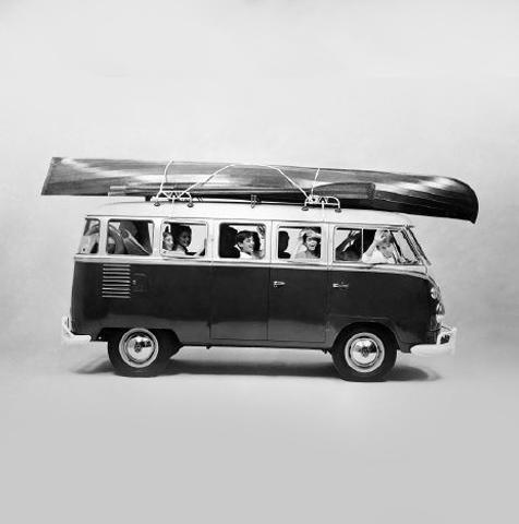 Anúncio publicitário para a Kombi, da Volkswagen, com foto de Chico Albuquerque