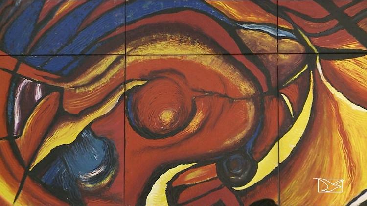 Obra abstrata de Raimunda Fortes, dividida em várias partes