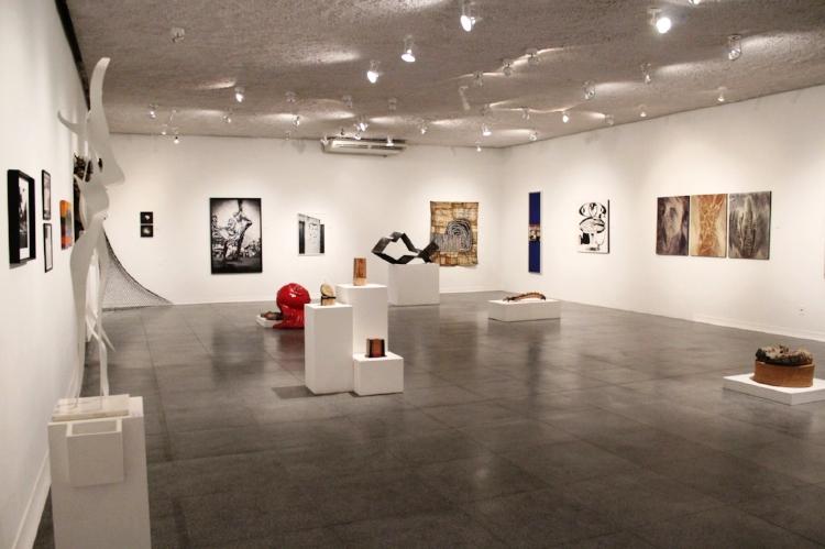 Salão principal da Pinacoteca da Ufal recebe a exposição  'Horizontes - Arte contemporânea de Alagoas'