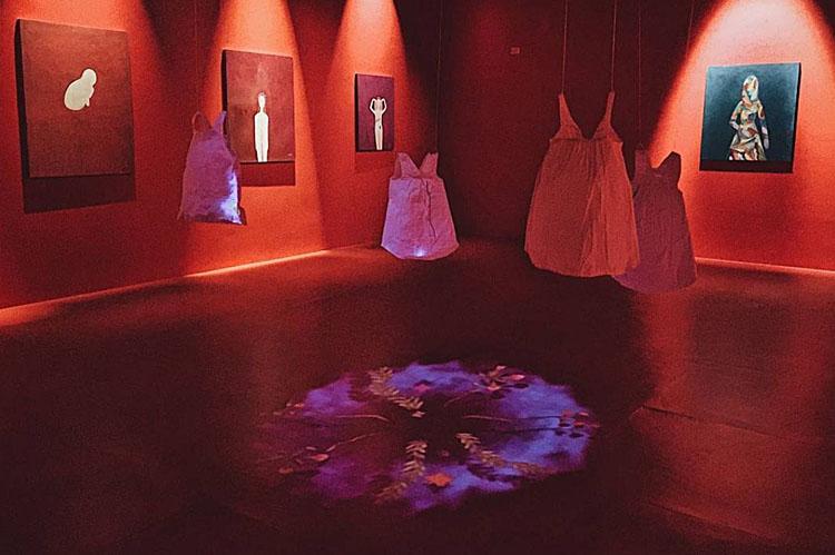 Exposição de Hilda Moura, que foi contemplada em 2016