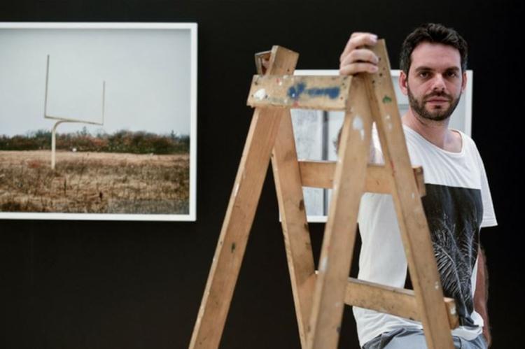 O artista Roberto Vietri, selecionado pelo Edital de Artes Visuais do Recife de 2015, só agora recebeu parte do cachê pela Prefeitura do Recife