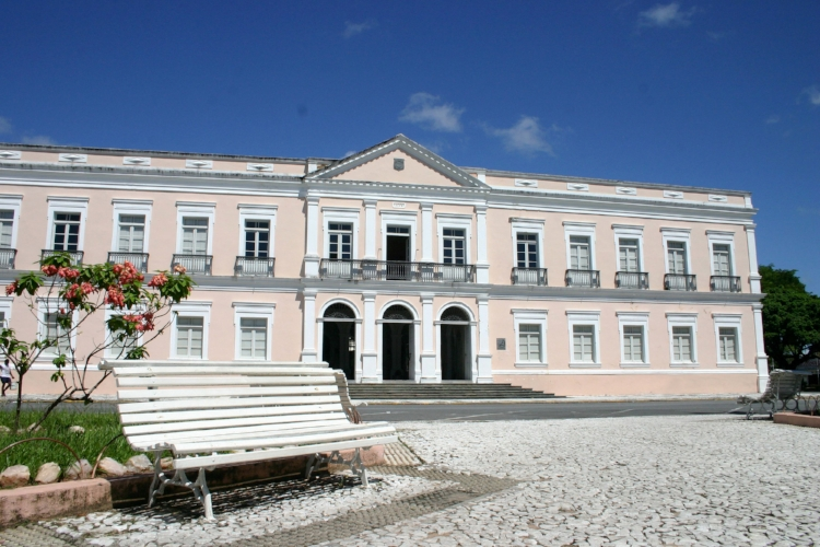 Fachada do Palácio Potengi, que foi sede do Governo do RN até 1995 e hoje abriga a Pinacoteca Potiguar