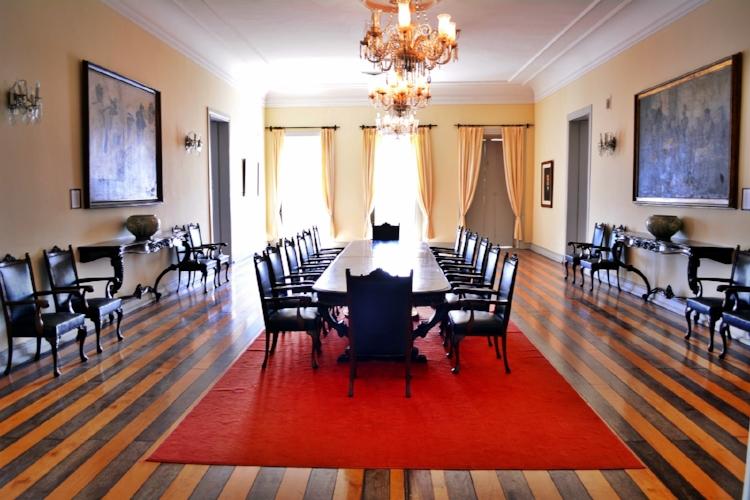 A Poinacoteca é responsável também pela manutenção do mobiliário do antigo salão de reuniões e solenidades do Governo do RN
