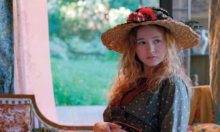 Embora Renoir intitule o filme, é a personagem Andrée que rouba a cena
