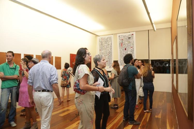 Convidados prestigiam a abertura da exposição