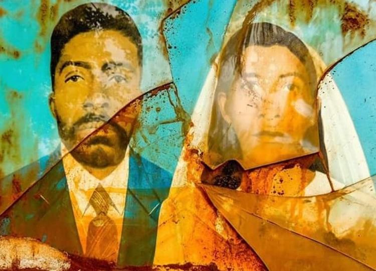 Retrato de família misturado à lama de rejeitos de mineração da tragédia de Mariana-MG