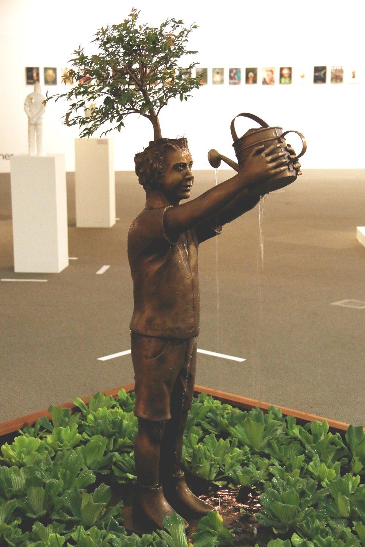 'Eu vi o mundo e ele começa dentro de mim'  (2015), escultura de Flávio Cerqueira. Fotografia: Paula Patrini