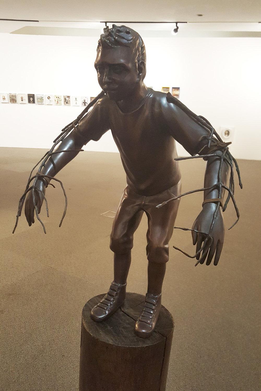 Outra escultura em bronze de Flávio Cerqueira
