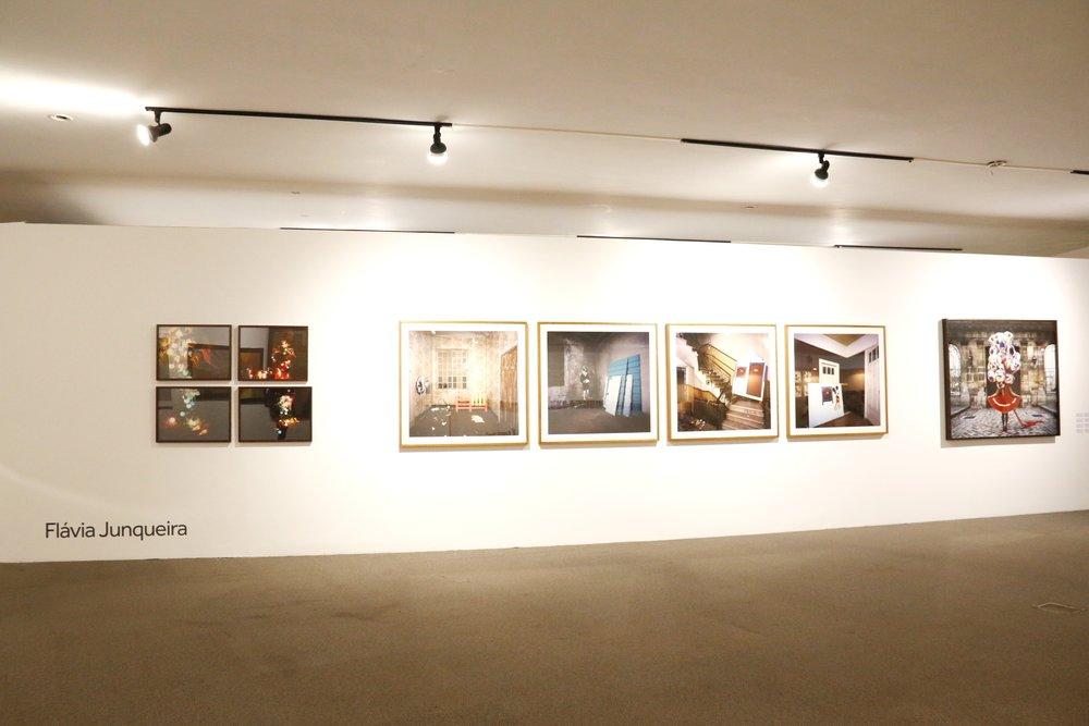 Parede com obras de Flávia Junqueira, na exposição  'Contraponto' . Fotografia: Paula Patrini