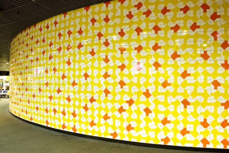 Mural na sala de embarque do aeroporto de Brasília