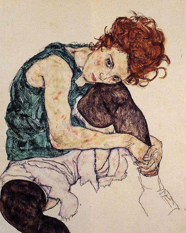 Há exatamente 100 anos, no dia 31 de outubro de 1918, o mundo da arte perdia o artista austríaco Egon Schiele, morto precocemente aos 28 anos, vítima da gripe espanhola, pandemia que matou milhões de pessoas no mundo inteiro naquele ano. ⠀⠀⠀⠀⠀⠀⠀⠀ Ele foi um dos principais nomes do movimento expressionista, conhecido por seus retratos de corpos transfigurados, contornos distorcidos, rostos apáticos e cores pálidas, como vocês podem ver na pintura 'Mulher sentada com joelho dobrado' (1917), uma de suas principais obras. ⠀⠀⠀⠀⠀⠀⠀⠀ O Schiele é um dos meus artistas preferidos e eu não podia deixar o centenário de sua morte passar, né? Pra marcar a data, eu selecionei 25 obras do artista, que vocês podem conferir lá no blog! O link tá na bio. 😉 ⠀⠀⠀⠀⠀⠀⠀⠀ #shiele #egonshiele #schiele100anos #artesvisuais #pintura #centenario #expressionismo