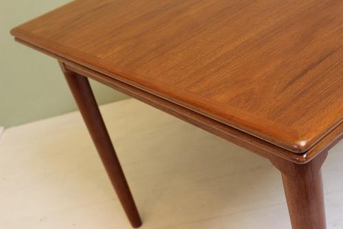 SHOP ATOMIC PAD DEJA VU - Danish modern dining table with leaves