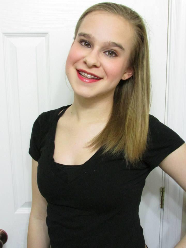 Zoe Lukach