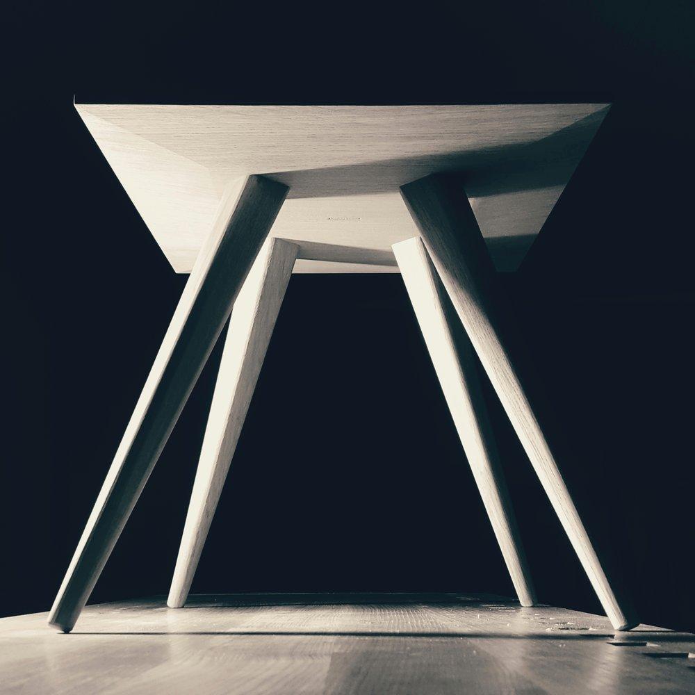 Oak side table.jpeg
