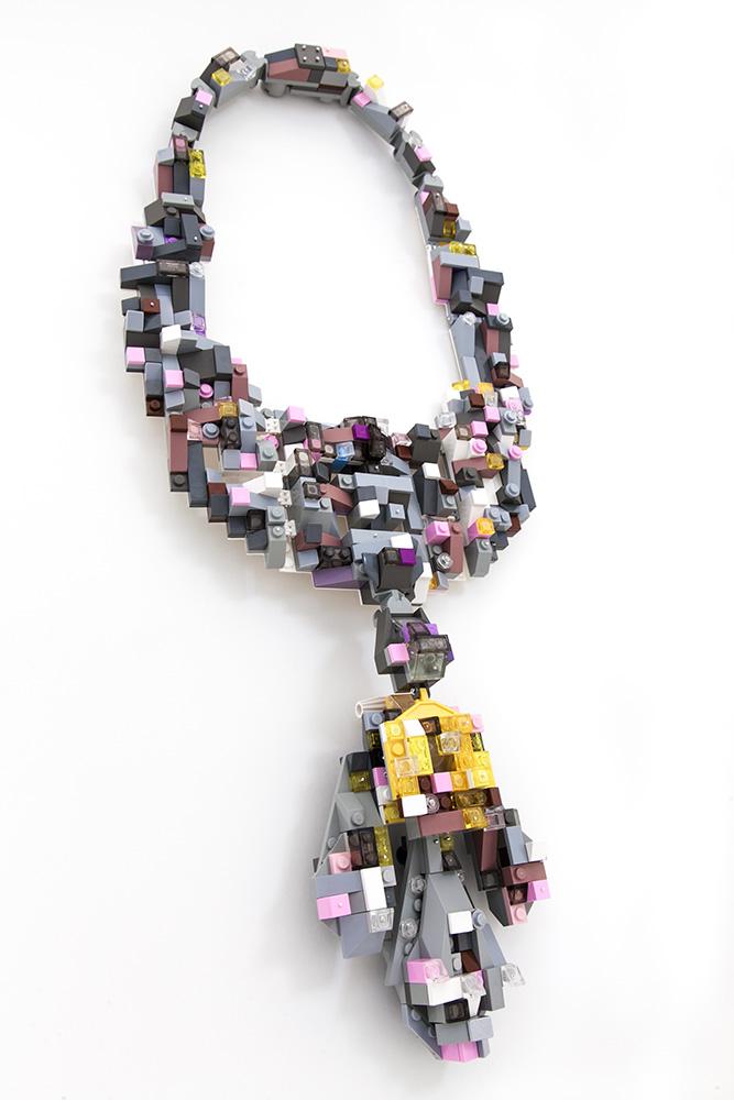 La Cérémonie de la Mémoire neckpiece