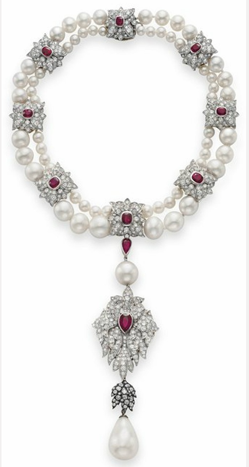La Peregrina necklace, Cartier, for Elizabeth Taylor, 1972