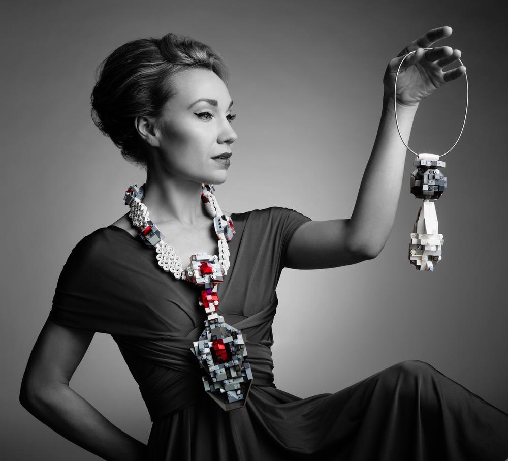 La Reine de Pelerin neckpiece