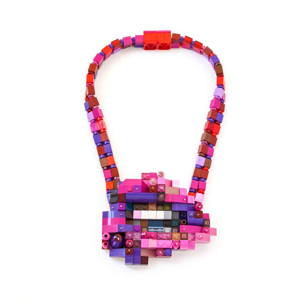 Lip 2 neckpiece