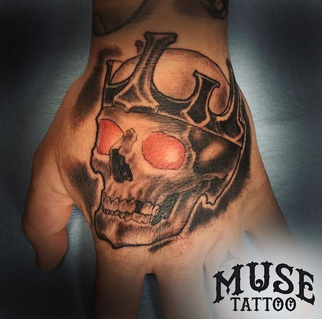 Take a look it this King Skull @grody9 did! Part of a set! Check back later to see the matching skull! #muse #musetattoo #meridiantattoo #boisetattoo #idahotattooers #idahotattoo #supportgoodtattooing #skinart_mag #tam #inked #instagood #instamood #instalike #instadailey #art #style #follow #skull #skulltattoo