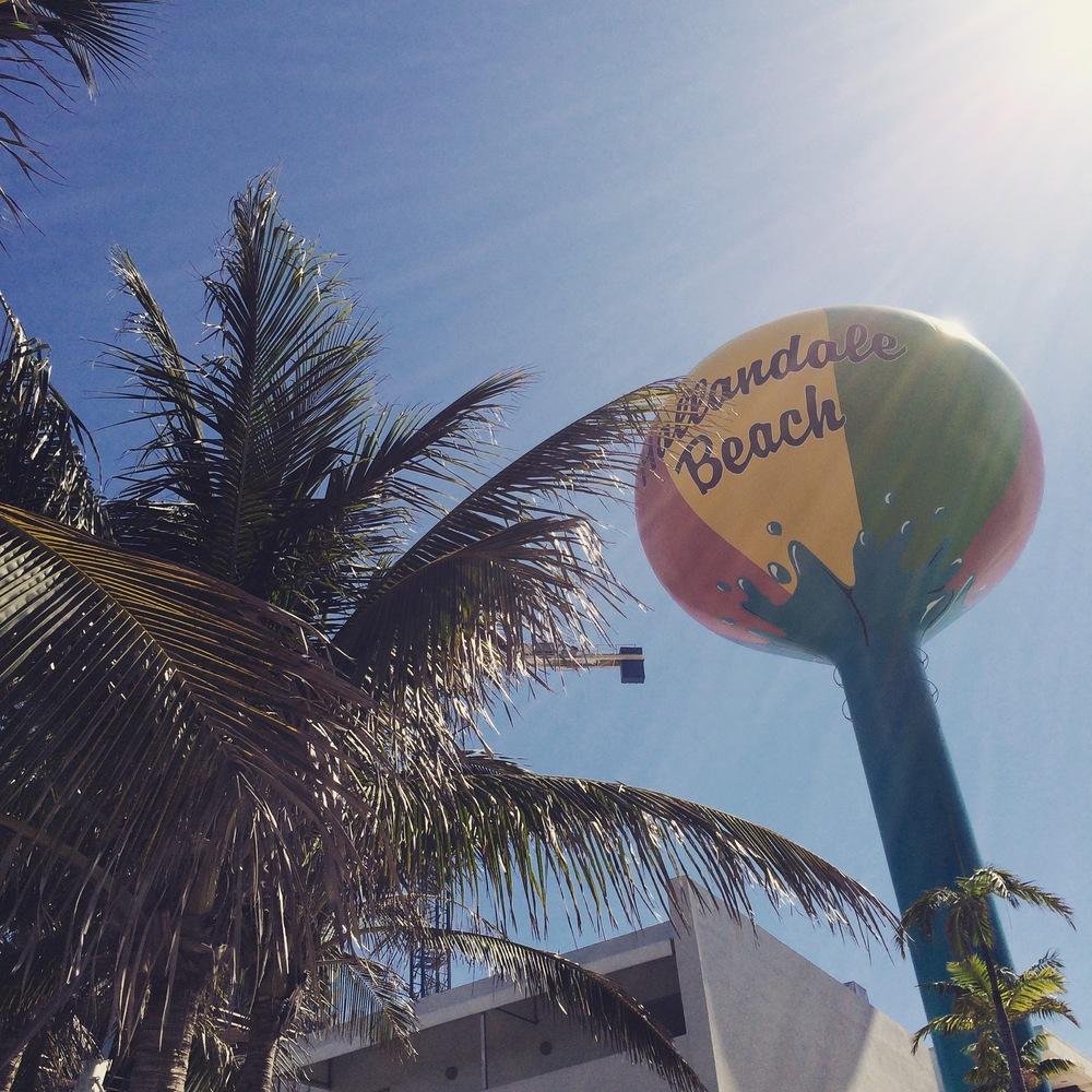 Hallendale Beach Sign