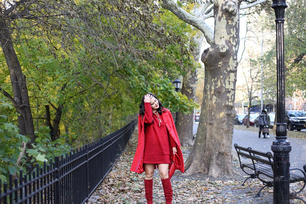Coat: Boden (similar  here ). Sweatshirt dress:  Zara . Boots:  Marc Fisher . Necklace and bag: Vintage.