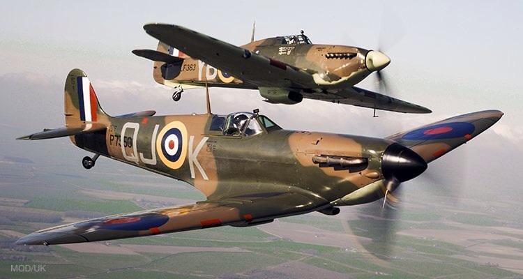 Hurricane (top) with Spitfire (bottom)