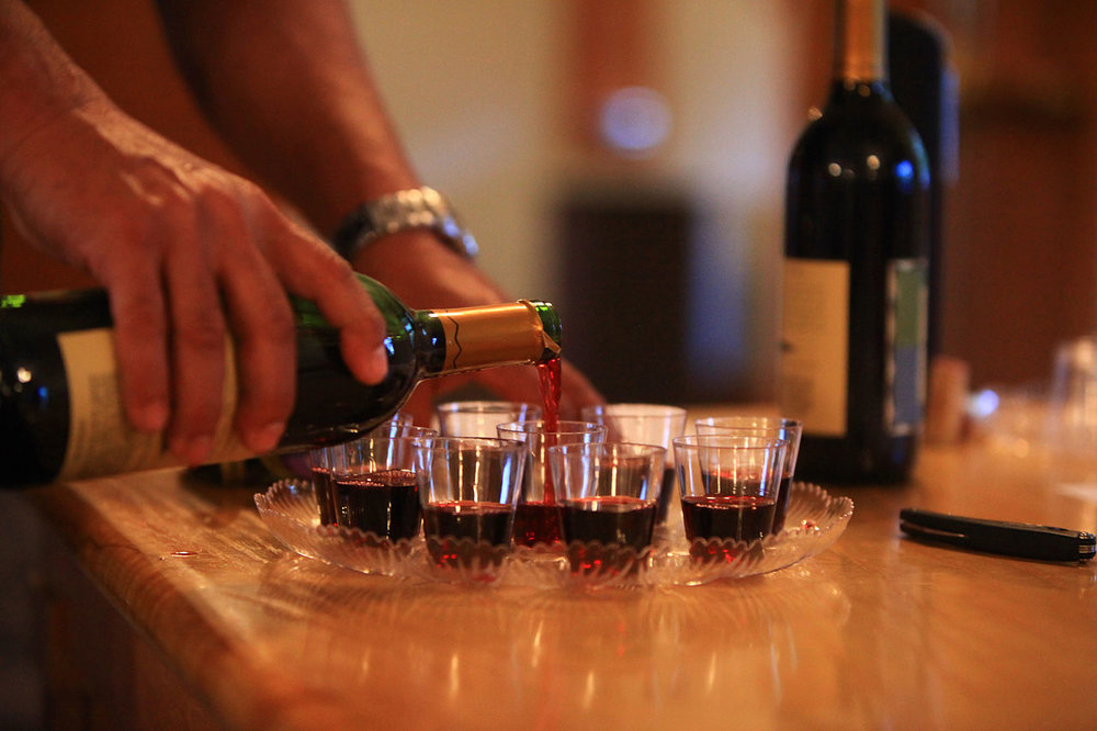 2oz-wine-tasting.jpg