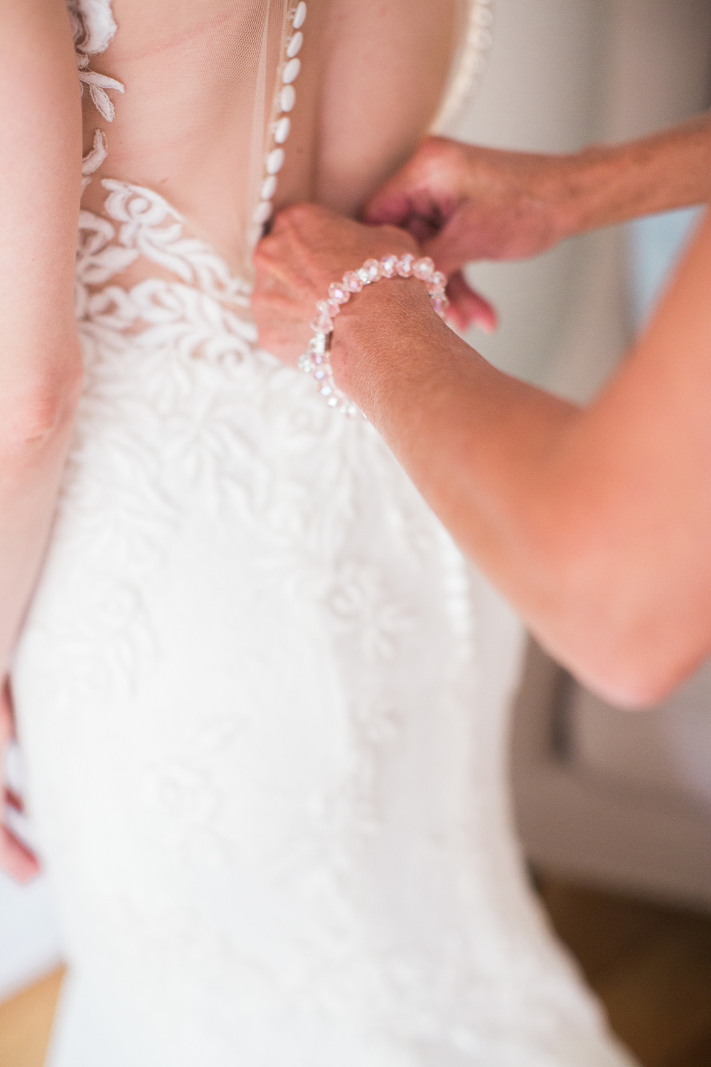 GarneauWeddingGettingReady©ASP-63.jpg
