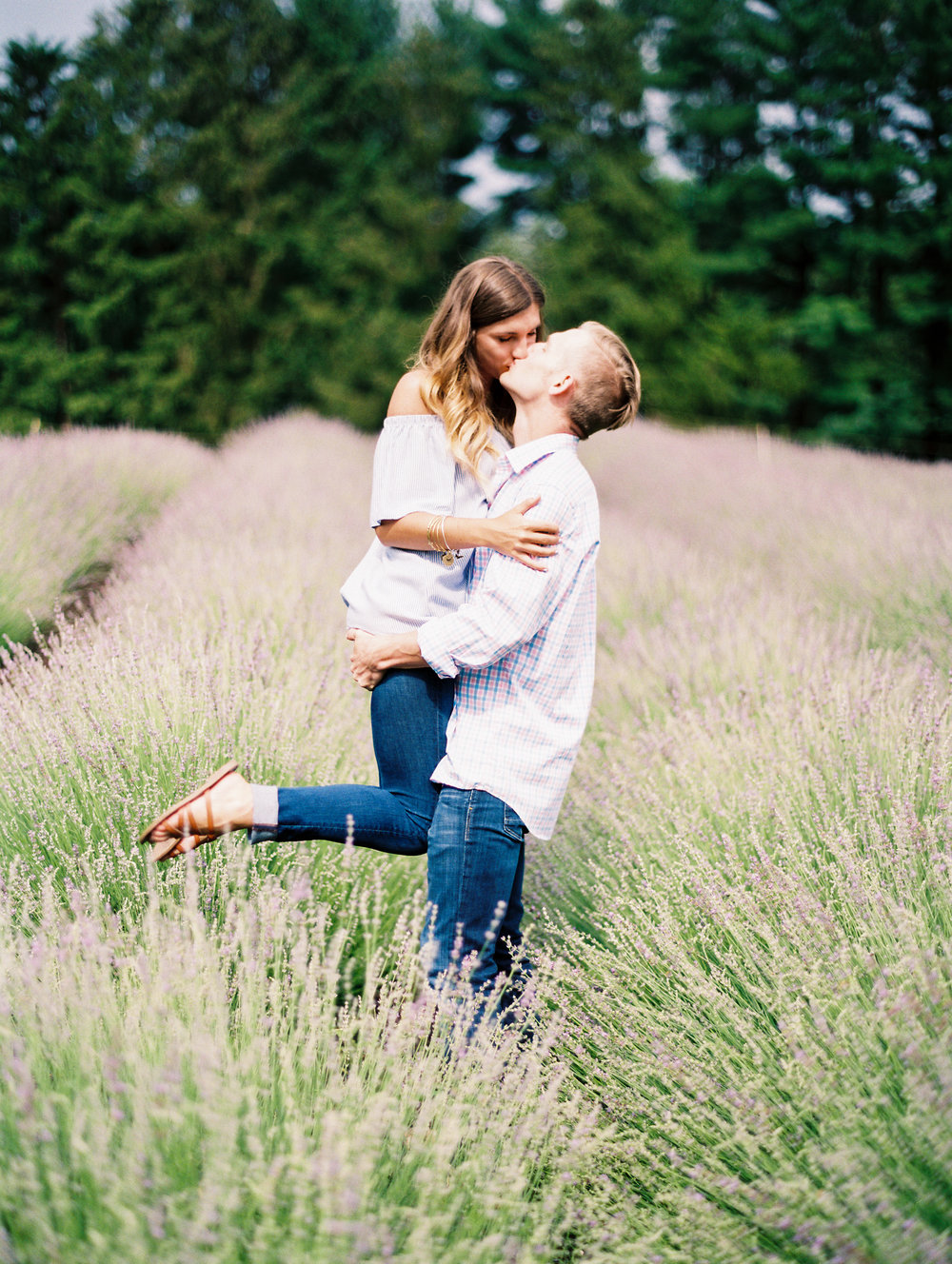 Kerri+Austin+Lavender+Field+Engagement-26.jpg