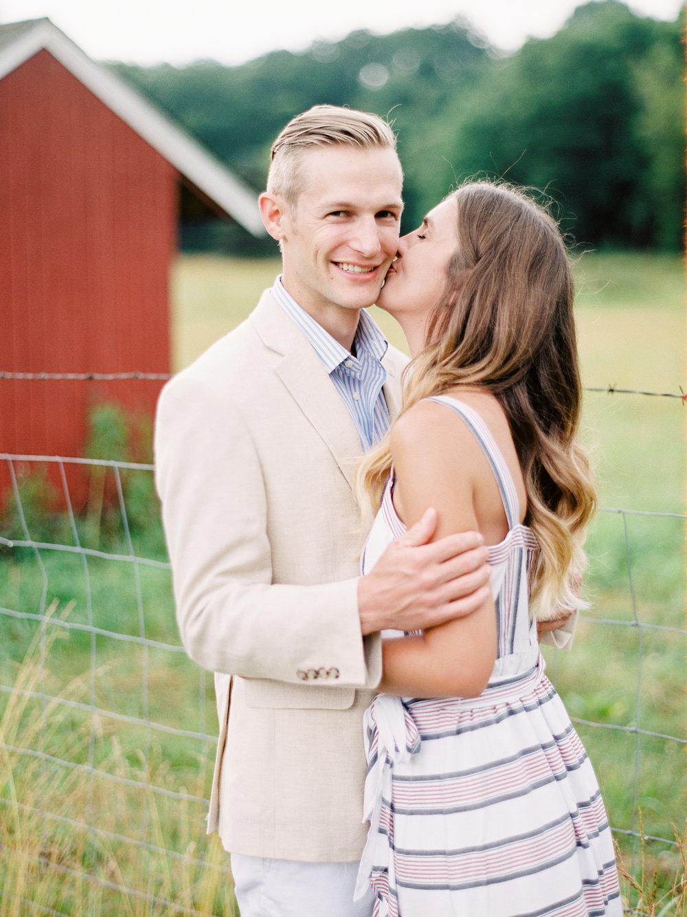 Kerri+Austin+Lavender+Field+Engagement-14.jpg