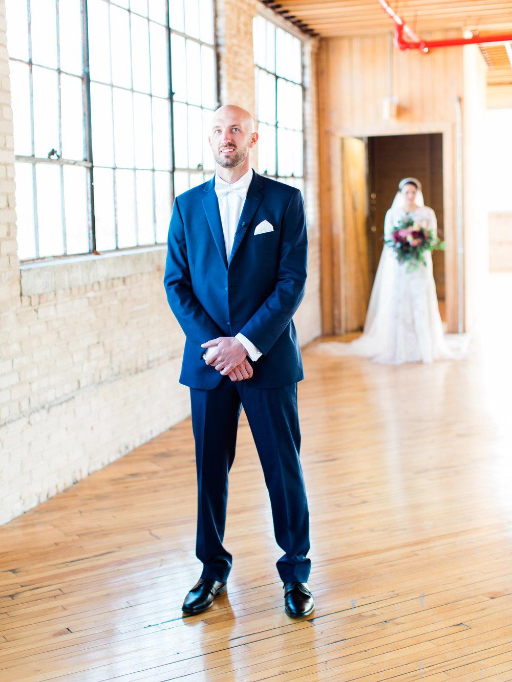 Vogelzang+Wedding+First+Look-8.jpg