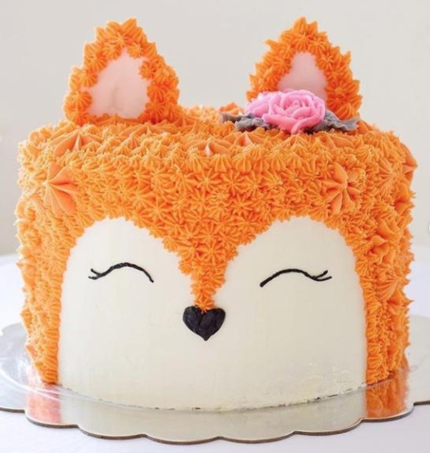 This cake is almost too adorable for words! Beautiful work @bakety_bake! 🦊 🎂 ⠀ .⠀ .⠀ .⠀ .⠀ .⠀ #cakedecorating #cakedecorator #cakes #cakelover #cakeartist #cakeart #sugar #sugarart #design #food #fondant #bakery #cakedecor #cakelife #dessert #lovewhatyoudo #sprinkles #buttercream #CakeCraftUSA #cupcakes #CookieCake #Icing #Cookies #Fox
