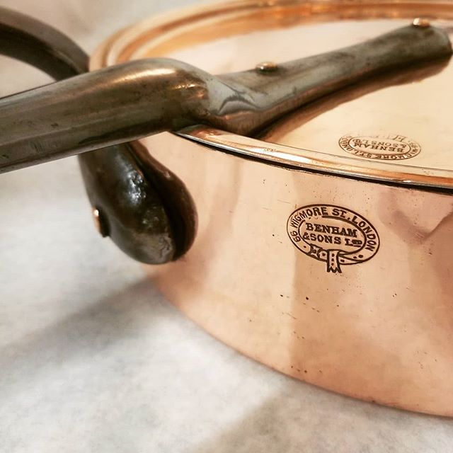Vintage English loveliness.  How about a gorgeous vintage copper pan for that special food-obsessed someone if your life?  Link in bio. . . #East_Coast_Tinning #retinning #restoring #vintage #coppercookware #copperpots #copper-tin #englishcopper #benham #benhamandsons