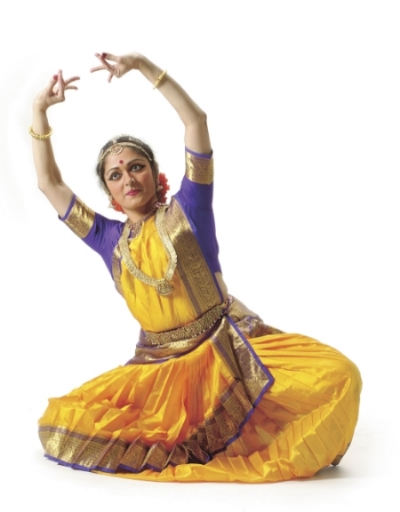 Shoba Sharma gave an introduction of her Natya Dance performance as part of a Danceboom series at the Wilma Theater.  Her introduction to an audience of people who, for the most part, had no idea what this 3000 year old style of dance was.  And hour later that same audience gave a standing ovation for a performance that they probably wouldn't have understood or appreciated at all if it weren't for Shoba's amazing explanation of language and context.