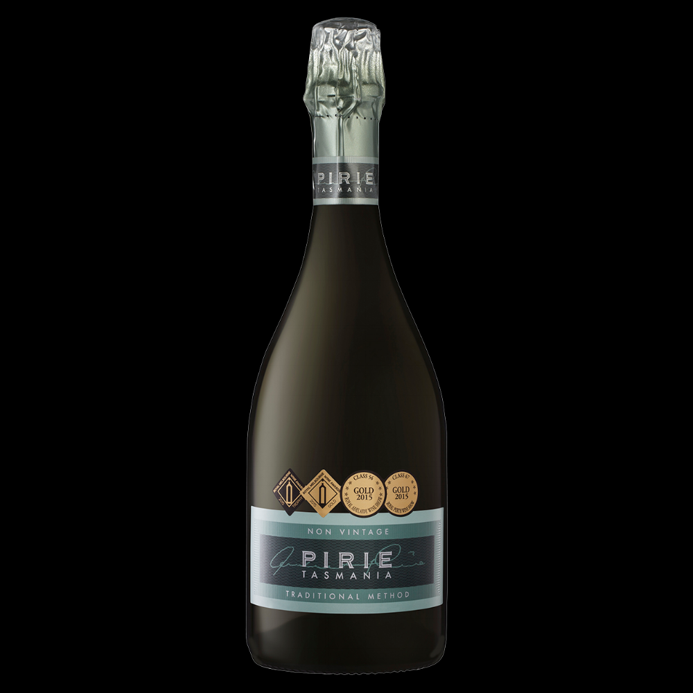 Pirie Sparklingピリエ スパークリング 原産: タスマニアタマーヴャレー, 希望小売価格;¥5000, 750ml, NV, 12.5% シャルドネ55%ピノ・ノワール45%, タスマニアの 適温 6 〜 8℃, 最低ロット 条件 あり 相性の良い料理: 生カキ、天然牡蠣や焼さばやマグロなど、オーストラリア最大有名スパークリング! 1997年から2016〜33賞取れました) 現在のヴィンテージ賞: Royal Adelaide Wine Show – gold アデレードワインショー金賞 Perth Wine Show – gold; パースワインショー金賞 Melbourne Wine Awards – gold and trophy for best sparkling; メルボルンワインショー金賞&ベストスパークリングワイントロフィー Canberra Wine Show – gold; キャンベラワインショー金賞 Tasmanian Wine Show – gold and trophy. タスマニアワインショー金賞&ベストワイントロフィー 日本語ティステングノート もぎたてのリンゴをカリッと噛んだときのような新鮮な香りが立ち上り、柑橘の風味とオリとの接触に由来するほのかなクリーミーさが舌に豊かに広がる。冷涼地域のシャルドネがフィネスと軽やかなエレガンス、芳香な果実を、ピノ・ノワールが骨格と重み、伸びやかさをもたらしている。フレッシュなレモン、梨、生き生きとしている。ビスケット、ヌガー、アーモンドとかすかなバラの花びらが立ち込め、深みがあり、複雑。切れのある酸と持続的な活力があり、タイトにフォーカスされた味わい ワインメーカー アンドリュー・ピーリー 土壌 砂利の多い玄武岩質の表土 重い粘土と鉄鉱石の下層 気候 冷涼気候 年間降水量 700mm 10 月〜4 月 300mm 95 Points Deep straw clear and bright with a fine persistent bead. Wonderfully intense on the nose with fresh citrus, minerals, green apple and complex yeast autolysis. The palate has chiselled acidity with exemplary line and length. Impressive. A full flavoured cuvve from a blend of chardonnay and pinot noir, boasting complexity and freshness. A vibrant lemony acidity with a full and rich mid-palate leads to slaty, mineral finish. 95 Points.Bright yellow hue, quite aldehydic bouquet and quite sherry-like. Astringent palate, grippy. Not very more-ish. As the wine warmed its richness and intensity of flavour became more and more apparent. A wine of genuine depth and aged complexity. The aldehydes became more in balance as the wine warmed. (A second bottle tasted the next day was even better. The aldehydes were less evident.) Trophy, Tasmanian Wine Show 2016