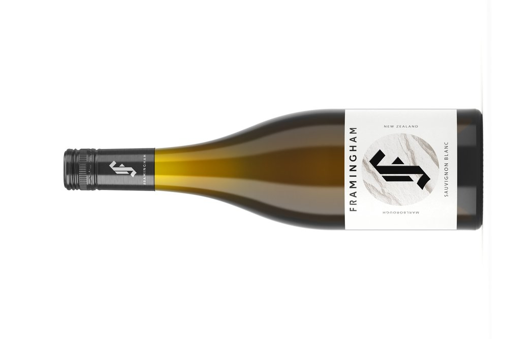 Framingham Sauvignon Blanc    フラミンガム ソーヴィヨン ブラン   原産地: マールボロ, 希望小売価格: ¥3,530  750ml, 2018, 13%  スキンコンタク アリ  香り:グレープフルーツ、レモン、グアバ、イラクサ、甘いハーブを連想させる芳香のある香り。 最初にスモーキーなノート、それからストーンのようなミネラルフレーバーを仕上げることで  味わい:ハーブからトロピカルフルーツサラダに至るまで、豊富な種類のフレーバー。 タンギーグレープフルーツ、苦いレモン、レッドカラント、トロピカルフルーツ、乾燥したタイムのヒントもあり。 口当たりは重く丸みを帯びており、樽発酵成分が豊富で、少しのクリーミーさも加えています。 酸味はエレガントでジューシーですが、決してタルトではありません。  BOUQUET Fragrant aromatics reminiscent of grapefruit peel, bitter lemon, guava, nettle and sweet herbs. Up front smoky notes and stone-like mineral flavours to the finish add complexity and interest.   PALATE A full and complex spectrum of flavours, from herbal through to some tropical fruit salad notes. Tangy grapefruit, bitter lemon, redcurrant, tropical fruit and hints of dried thyme. Mouthfeel is rounded with good weight, and is enriched by the barrel ferment components, which add a little structure creaminess too. Acidity is elegant and juicy but by no means tart, and helps to promote a signature dry, stony