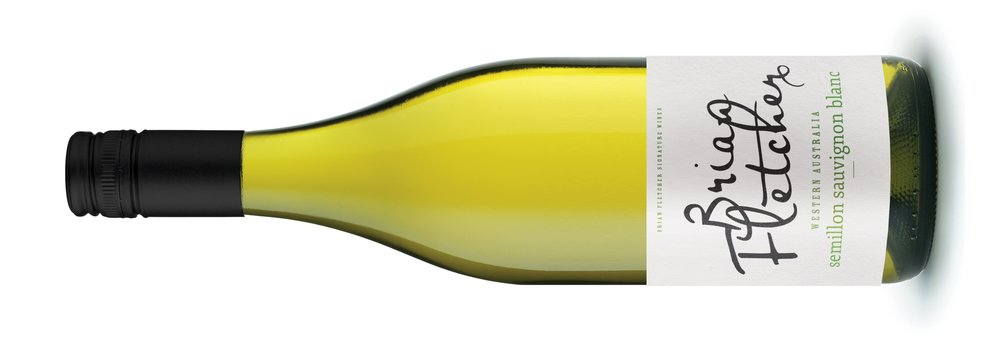 BRIAN FLETCHER SIGNATURE WINES SEMILLON SAUVIGNON BLANC    ブライアン フレッチャー シグネチャー ワインズ セミヨン ソーヴィヨン ブラン   原産地: マーガレットリヴァー  希望小売価格: ¥2500  シトラスフルーツ、グアヴァ、青草のアロマ、新鮮で キリッとしたシトラスやトロピカルフルーツの風味。 深みのある味わいで、複雑で長い余韻。ステンレスタ ンクで低温で発酵することで新鮮な果実風味をもた らしています。  72% semillon, 28% Sauvignon Blanc. Aromas of citrus, guava and cut grass. This is Vibrant and fresh with zingy citrus fruit and tropical fruit. Great Depth of Flavour with persistent complexity and long finish. Cold fermented and fermented in stainless to preserve freshness.