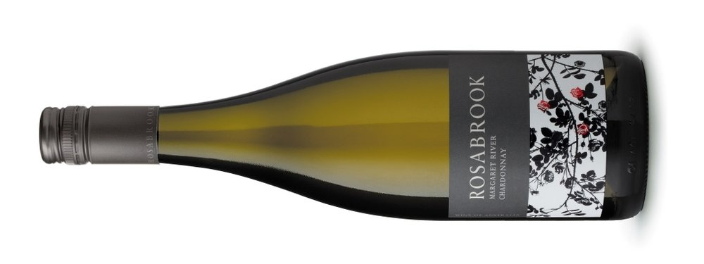 Rosabrook Chardonnay | ローザブルック シャルドネ    マーガレットリヴァー, ¥4100, 2016, 750ml, 13.1%  スライスしたりんご、レモンの皮、ドライフルーツの洋梨の特徴を持つこの白ワインの透明感がとても好ましいです。 フルボディ、たっぷりのフルーツと新鮮でクリアなフィニッシュ。 ぜひお楽しみください。  Pale straw hue, an attractive and lifted varietal chardonnay. Palate is fine and long with enduring flavour. 100% Single Vinyard Margaret River Chardonnay. Juice cold pressed, oak maturation, fined, clarified and bottled early to preseve the fruit flavours. Cellar 10+ years