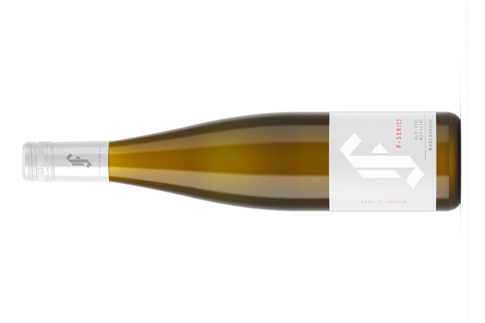 F-SERIES OLD VINE RIESLING | F シーリズオールド バイン リースリング  マールボロワイラウヴァレー  ¥ 6,100 2017, 750ml,  James Suckling 93 points オーガニック Hand Picked, wild ferment, 100% whole bunch , old oak (55%) and acacia (45%)  熟したライムとピーチのアロマ、ペストリーのような香り。 複雑性も少しあります。凝縮感のある口当たりで、甘みと酸度のバランスがうまく整っています。フィニッシュはグレープフルーツの芯の香り。飲み頃です。スクリューキャップ。  Ripe lime and peach aromas with some pastry-like notes. Subtly complex. The palate is very concentrated and the balance of sugar and acidity is nicely tuned. Pithy grapefruit finish.