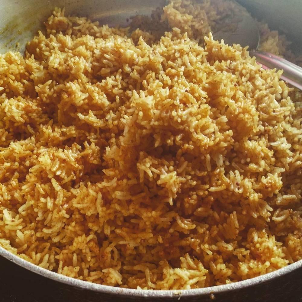 Lemon rice with chickpea flour coating