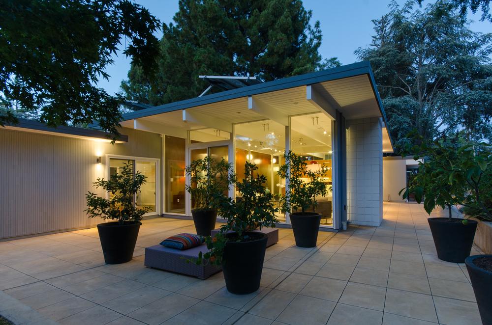 Modern Palo Alto Home.png