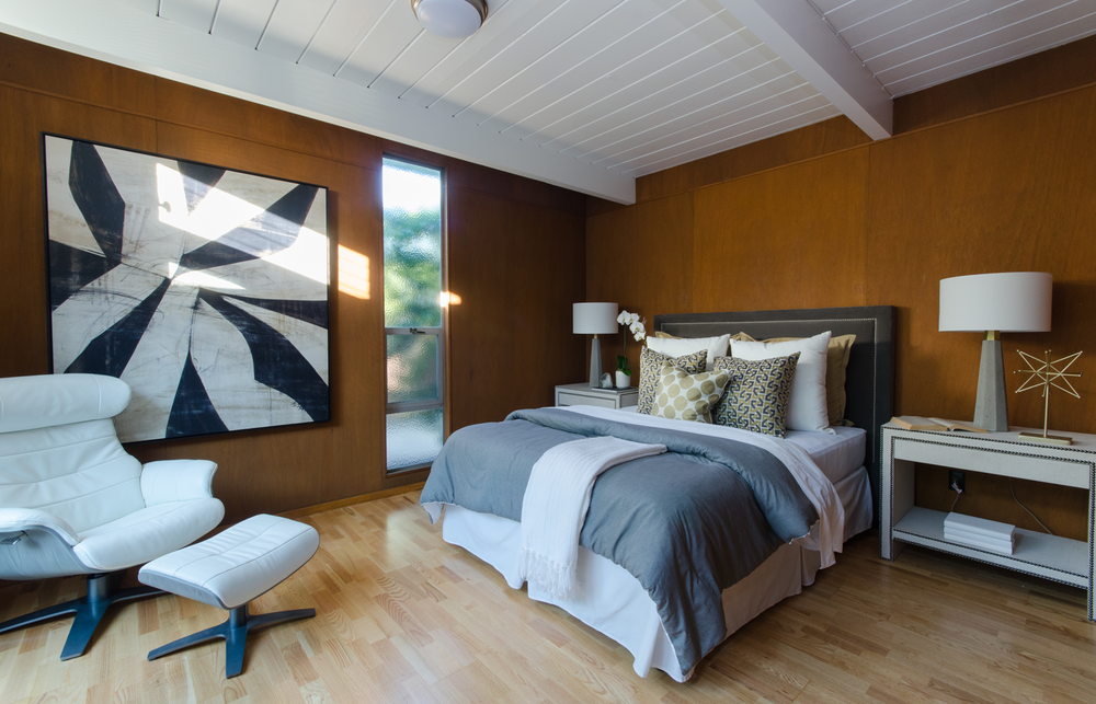Midcentury-Real-Estate-Photography-Bedroom.png