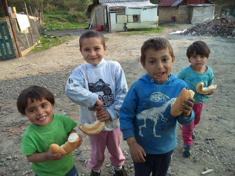 The kids love fresh bread. It is the staple of the Romanian diet