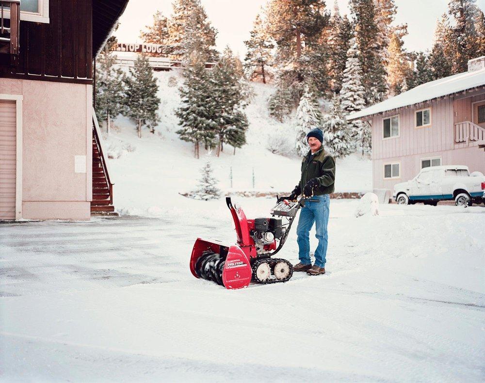 MAN-WITH-SNOWBLOWER-2srgb.jpg