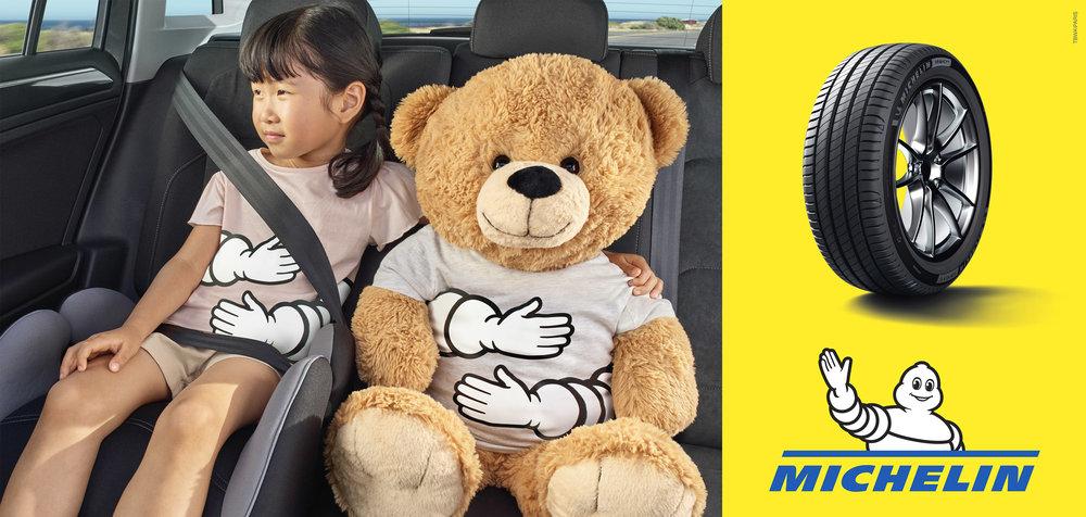 ASIAN-GIRL-WITH-TEDDY-IN-CAR.jpg